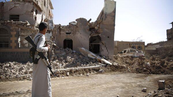 Un rebelle Houthi à Sanaa - Sputnik France