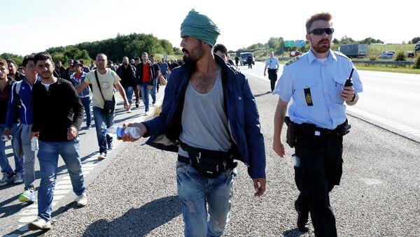 Des migrants attaquent les Danoises - Sputnik France