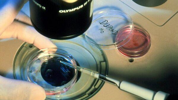 Des embryons humains génétiquement modifiés pourraient être créés en Grande-Bretagne - Sputnik France