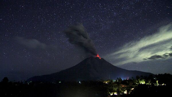 Éruption du volcan indonésien Sinabung - Sputnik France