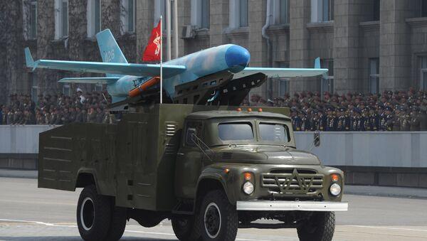 Un Zil-130 transportant un drone nord-coréen basé sur le modèle américain MQM-107D - Sputnik France