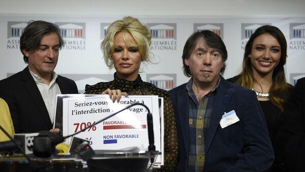 Pamela Anderson charge contre le foie gras - Sputnik France