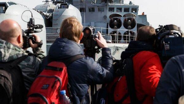 Russian Destroyer Vice-Admiral Kulakov Welcomes Foreign Journalists - Sputnik France