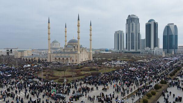La mosquée Akhmad Kadyrov, l'un des principaux édifices islamiques à Grozny - Sputnik France