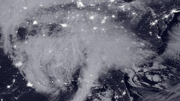 Une tempête de neige massive de 2016 au clair de lune - Sputnik France