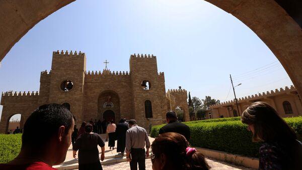 Les chrétiens irakiens vont à l'église Saint-Joseph à Arbil, la capitale de la région autonome kurde, le 6 Août, 2015 - Sputnik France