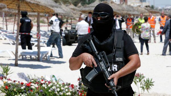 Un policier tunisien - Sputnik France