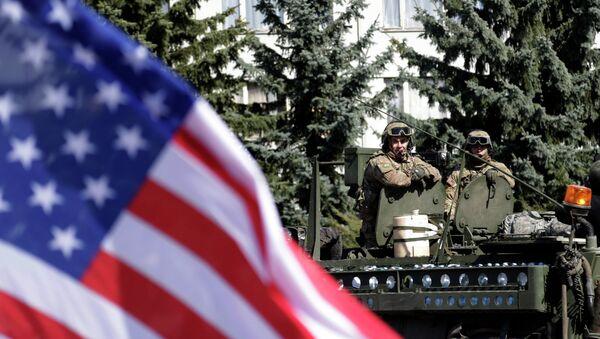 Un convoi militaire américain arrive à Prague - Sputnik France
