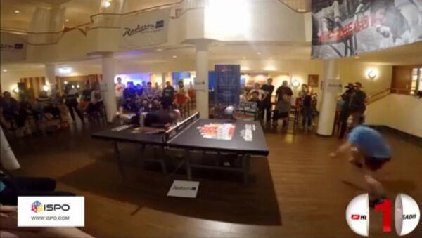 Jouer au ping-pong avec la tête - Sputnik France
