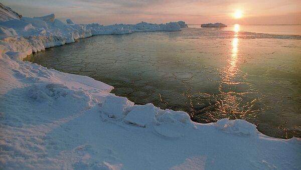 Un coucher de soleil en Arctique - Sputnik France