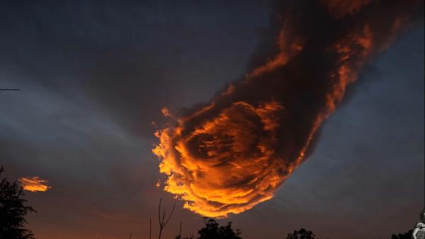 Hand of God - Sputnik France
