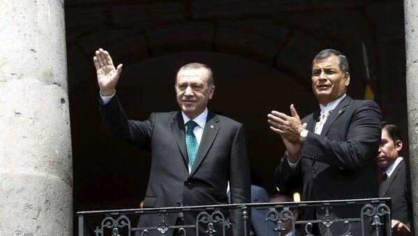 Le président turc Recep Tayyip Erdogan et son homologue équatorien Rafael Correa - Sputnik France