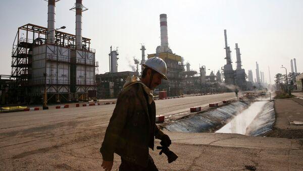 L'Iran prêt à vendre son pétrole contre des yuans - Sputnik France