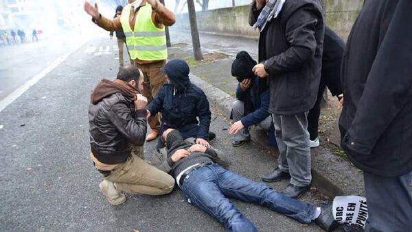 Kurdes attaqués par la police - Sputnik France