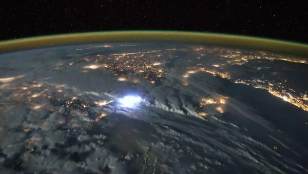 A quoi ressemblent les orages vus depuis l'espace? - Sputnik France