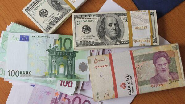 Euro, dollar et rial iranien - Sputnik France