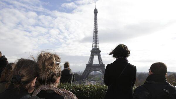 Minute de silence en mémoire des victimes des attentats du 13 novembre à Paris - Sputnik France