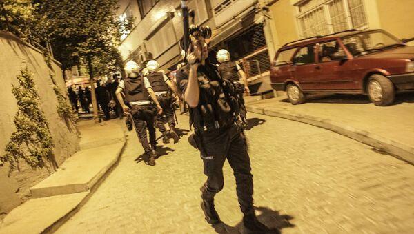Affrontements entre la police et des manifestants à Istanbul, photo d'archives - Sputnik France