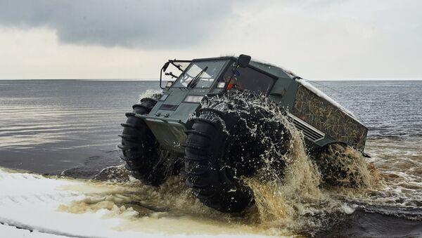 Le véhicule tout terrain russe Sherp a conquis Internet - Sputnik France