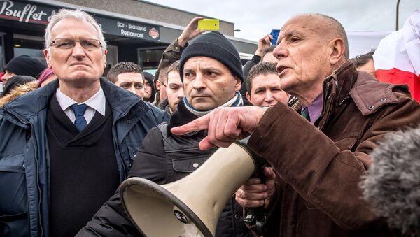 Manifestation organisée par Pegida France, le 6 février 2016, à Calais - Sputnik France
