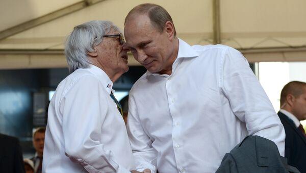 Bernie Ecclestone (à gauche) et Vladimir Poutine - Sputnik France