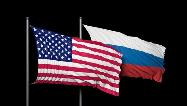 Drapeaux russe et américain - Sputnik France