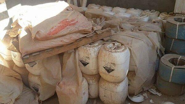 Des combattants des milices populaires de la province d'al-Anbar ont découvert deux entrepôts avec des armes chimiques, précédemment sous le contrôle de Daech - Sputnik France