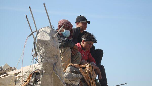 Qui frappe des civils en Syrie? - Sputnik France