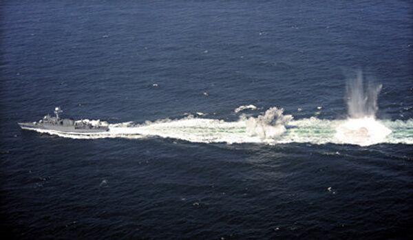 Un navire militaire américain a ouvert le feu sur un autre navire dans le golfe Persique - Sputnik France