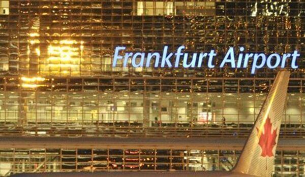 Les chutes de neige ont perturbé le trafic à l'aéroport de Francfort - Sputnik France