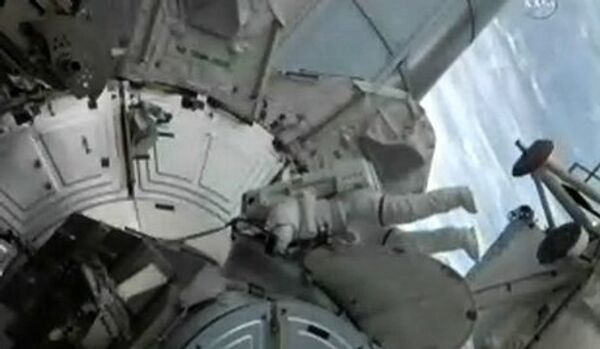 Les astronautes de l'ISS se préparent à sortir dans l'espace - Sputnik France