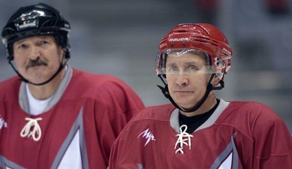 Poutine et Loukachenko ont battu les stars du hockey - Sputnik France
