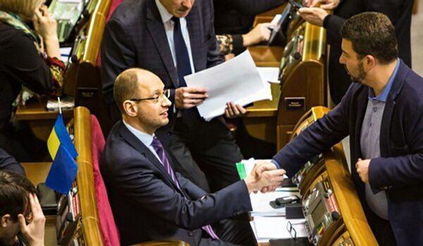 Ukraine : UE, ONU, USA apprennent à dialoguer avec le cabinet du Maïdan - Sputnik France