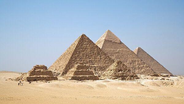 Une « immense » nécropole et 50 momies découvertes en Egypte - Sputnik France