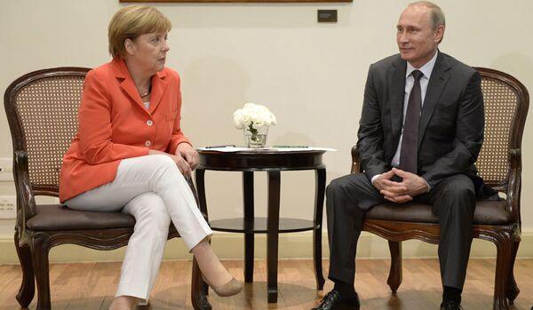 Poutine et Merkel croient que la situation en Ukraine a tendance à se dégrader - Sputnik France