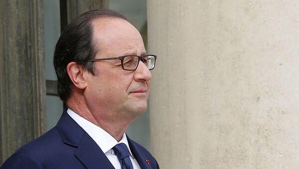 Hollande assure n'être jamais intervenu dans les affaires judiciaires impliquant Sarkozy - Sputnik France