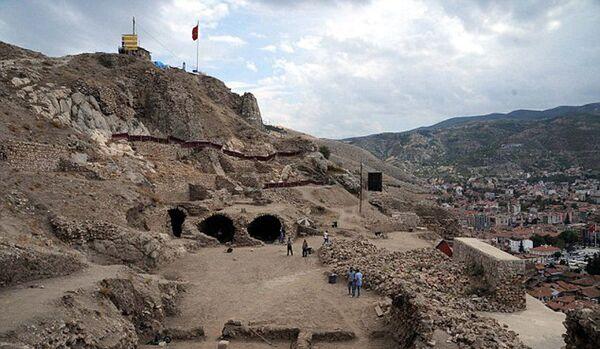 La prison de Dracula retrouvée parmi les vestiges d'un château en Turquie ? - Sputnik France