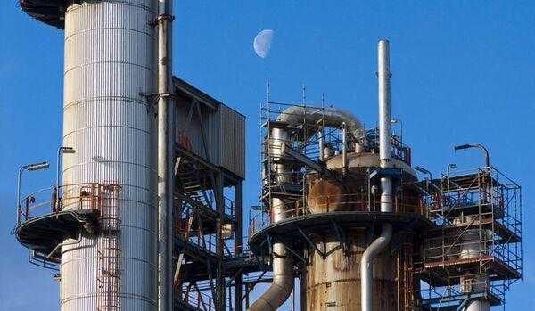 L'économie mondiale s'effondrera si le prix du pétrole chute jusqu'à 80 dollars par baril (Poutine) - Sputnik France