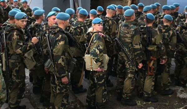 Les parachutistes russes mèneront des exercices avec des unités de l'Armée serbe - Sputnik France