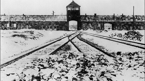 Moscou déclassifie des documents sur la libération d'Auschwitz - Sputnik France