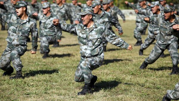 Chinese People's Liberation Army (PLA) soldiers training at their barracks in Heihe, northeast China's Heilongjiang province - Sputnik France