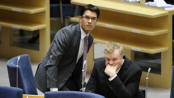 Lars Isovaara (D), et Jimmie Akesson (G). Les Démocrates de Suède - Sputnik France