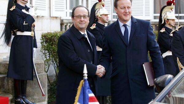 François Hollande et David Cameron à Amiens - Sputnik France