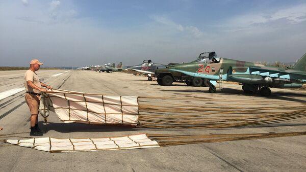 Su-25 sur la base de Hmeimim, Syrie - Sputnik France