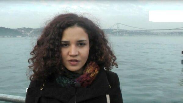 Une étudiants d'Istanbul s'excuse pour l'avion russe abattu par la Turquie - Sputnik France