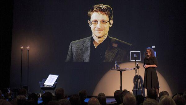 Edward Snowden reçoit le prix de Bjornson, Molde, Norvège, le 5 Septembre, 2015 - Sputnik France