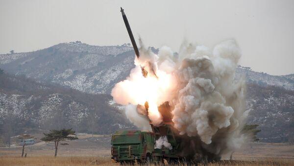 le lancement de missiles - Sputnik France