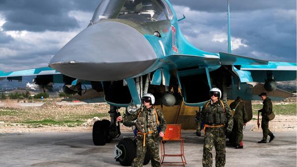 Des pilotes russes à la base aérienne de Hmeimim en Syrie - Sputnik France
