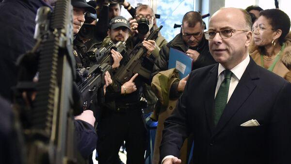 Le ministre français de l'Intérieur Bernard Cazeneuve - Sputnik France