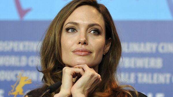 Angelina Jolie - Sputnik France